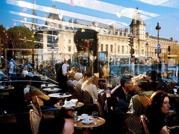 Quán cà phê Paris, Pháp