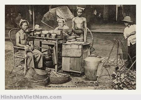 Một quầy bán đồ giải khát trên đường phố Huế