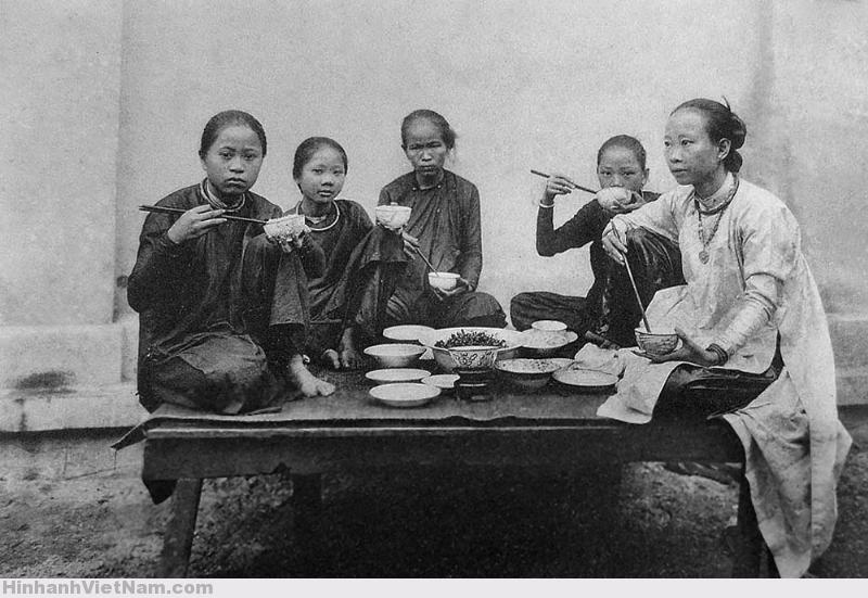 Thời trang của phụ nữ Sài Gòn xưa