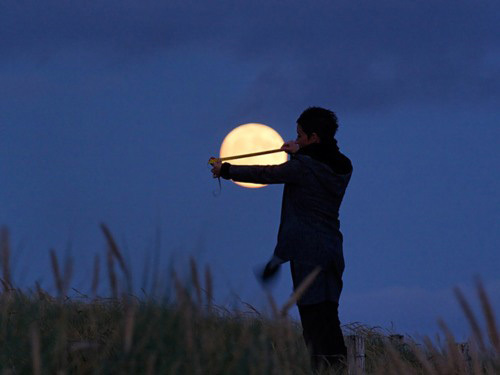 Sáng tạo với ảnh chụp mặt trăng - Hình 1