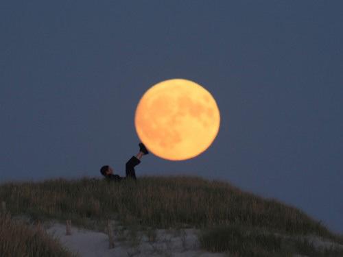 Sáng tạo với ảnh chụp mặt trăng - Hình 6