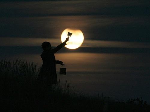 Sáng tạo với ảnh chụp mặt trăng - Hình 4