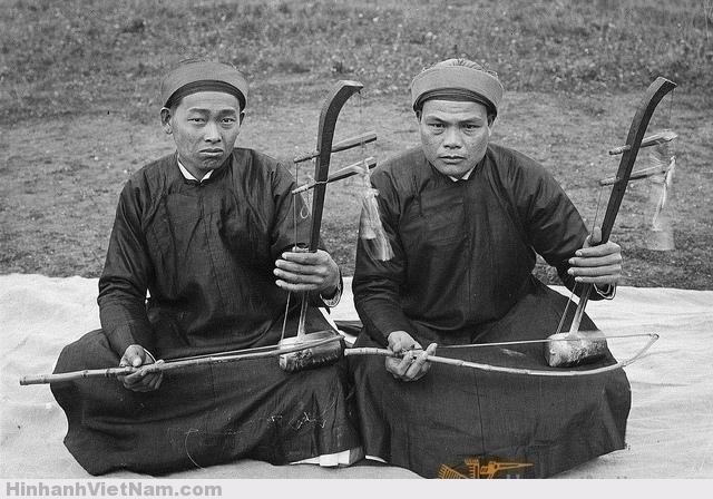 Joueurs de vièles Dàn Nhi (vièles à deux cordes) - Nhạc công chơi đàn nhị