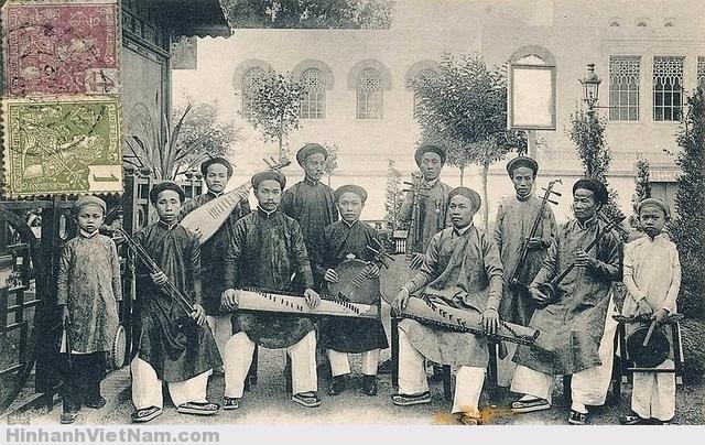 Đoàn nghệ sĩ xứ thuộc địa Nam Kỳ đi dự Hội chợ Marseille 1906 tại Pháp