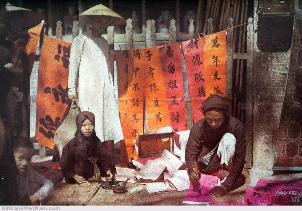 Một ông đồ bán chữ ở Hà Nội, 1915.