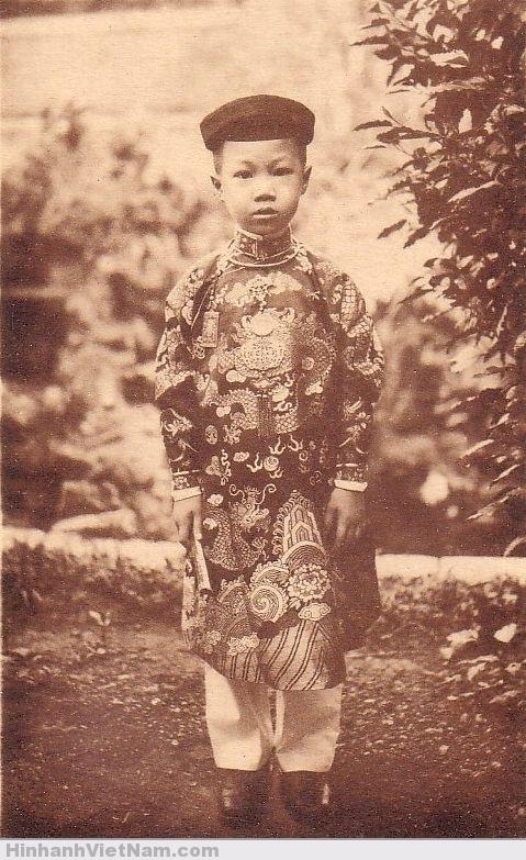 Thái tử Vĩnh Thụy (vua Bảo Ðại trong tương lai)