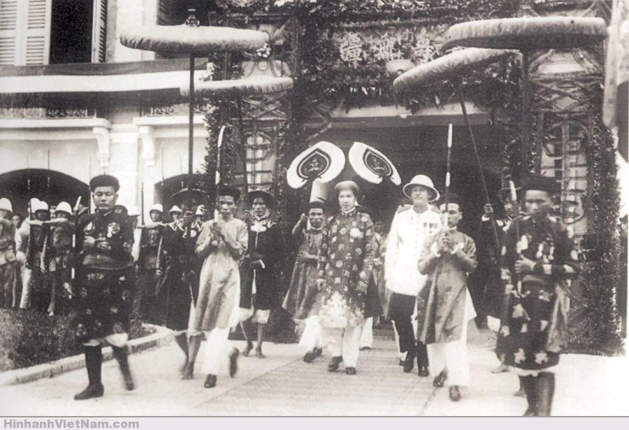 Vua Bảo Ðại trong một buổi lễ năm 1933