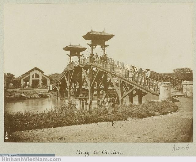 CHOLON 1888 - A bridge in the Chinese district of Saigon - Cầu Bình Tây phía trước chợ Bình Tây đầu tiên trong Cholon