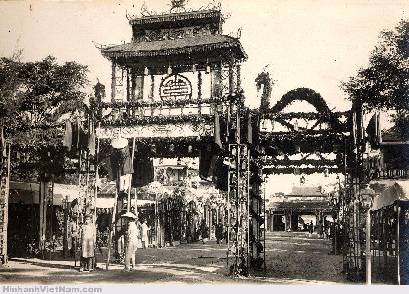 Thêm một cổng vào cung điện