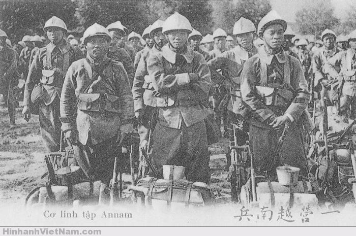 Một đoàn lính Việt (bên Pháp)