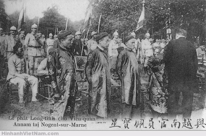Lễ phát huy chương cho quan Việt Nam ở bệnh viện Nogent-sur-Marne