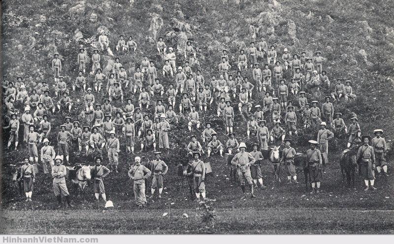 Lính thuộc địa của tiểu đoàn 10
