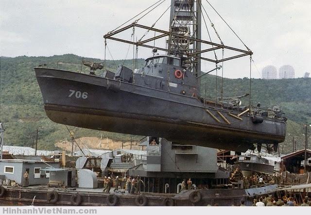 Tàu tuần tra được đưa đi sửa ở Đà Nẵng