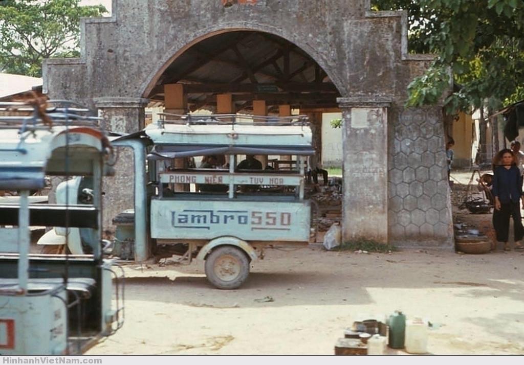 """Xe lam - """"xe buýt"""" của thời xưa"""