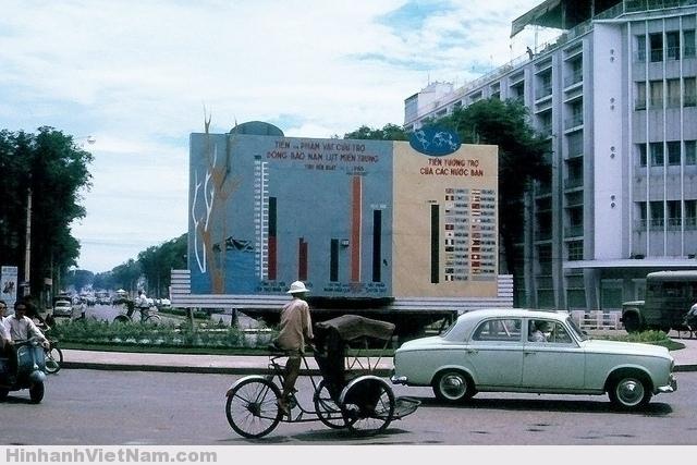 SAIGON 1965 - Lam Son Square