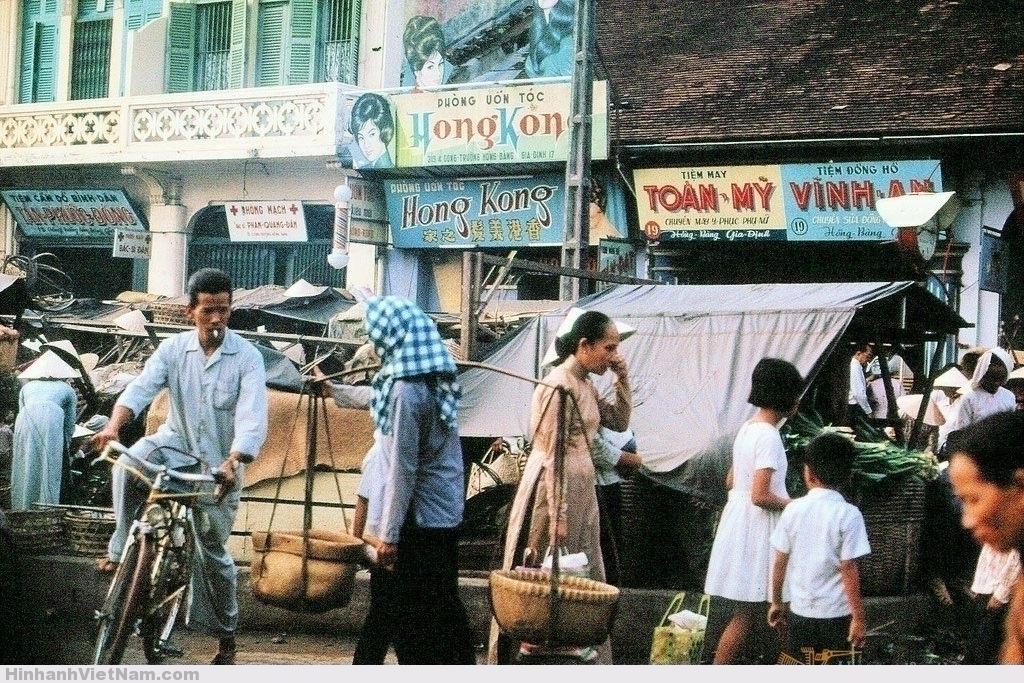 Công trường Hồng Bàng phía trước chợ Bà Chiểu