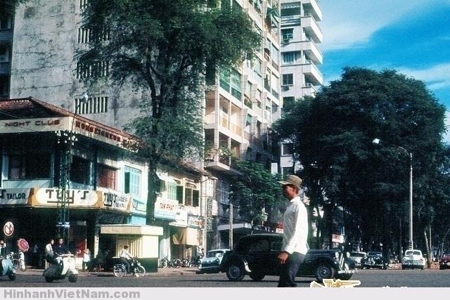 Góc Nguyễn Huệ-Nguyễn Văn Thinh