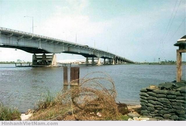 Newport Bridge - Highway 1A Photos from Bob Shanta - 551st Trans. Co. June 1968 - July 1969