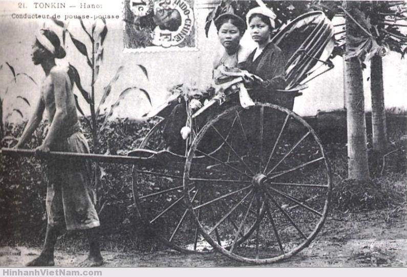 Phu kéo xe ở Hà Nội