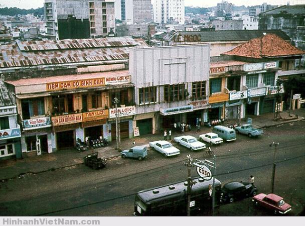 Quang cảnh SG nhìn từ khách sạn Metropole