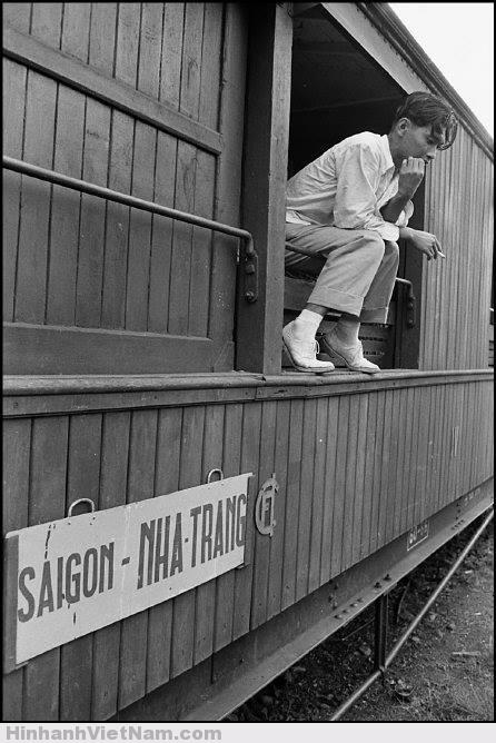 Phút xả hơi nhân lúc tàu chưa chạy