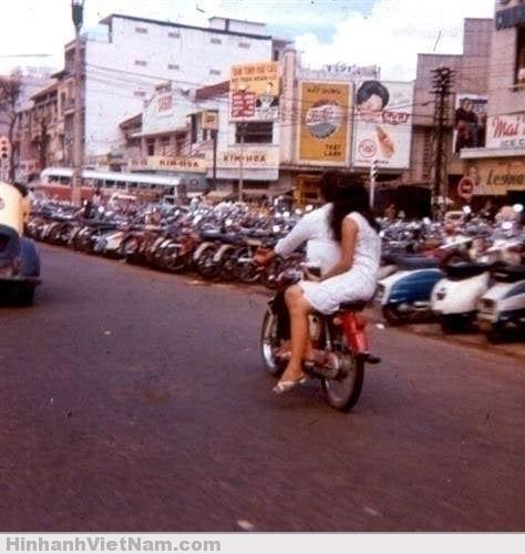 Xe gắn máy tại miền Nam trước 75