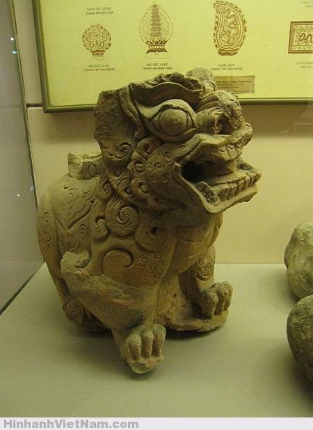 sư tử thời Trần Hồ
