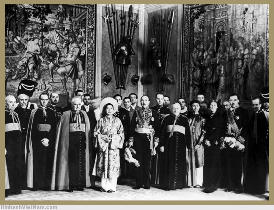 VATICAN – The Empress of Annam received at Vatican – July 20, 1939