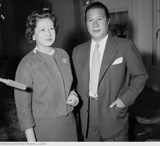 Emperor Bao Dai And Wife Of South Vietna