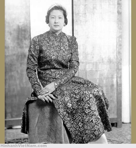 Nam Phuong (1913), wife of Bao Dai, Annam's empress. France, 1949 (4)