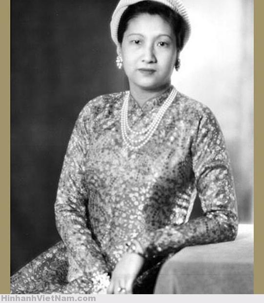 Nam Phuong (1913), wife of Bao Dai, Annam's empress. France, 1949 (3)