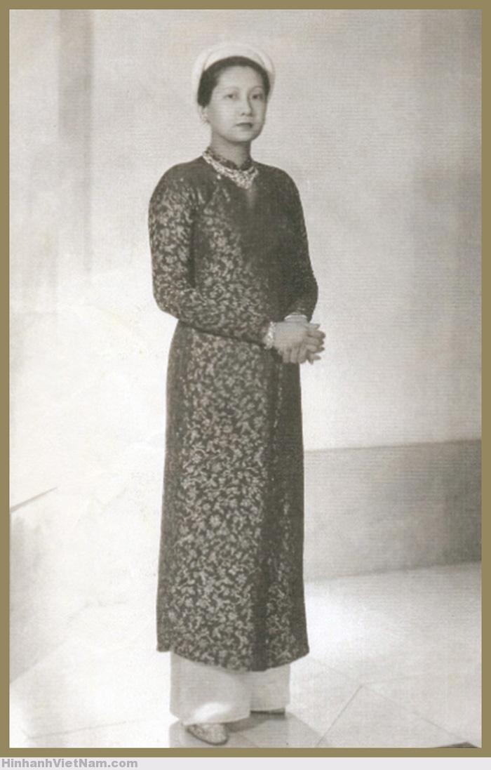 Hoàng hậu Nam Phương trước 1945