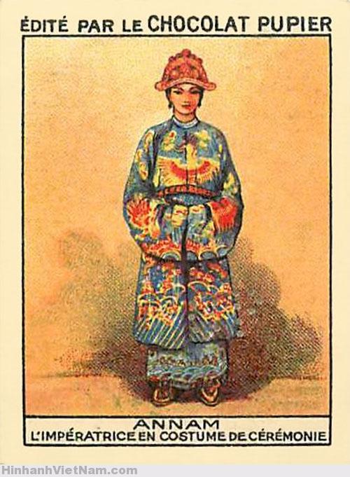 ANNAM – L' IMPÉRATRICE EN COSTUME DE CÉRÉMONIE – Hoàng hậu Annam trong lễ phục