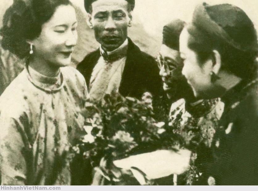 1934 Arrivo di NAM PHUONG, Imperatrice consorte dell'ANNAM