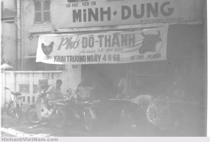 Tiệm phở Đô Thành trên đường Võ Tánh (đường Hoàng Văn Thụ, quận Phú Nhuận ngày nay)